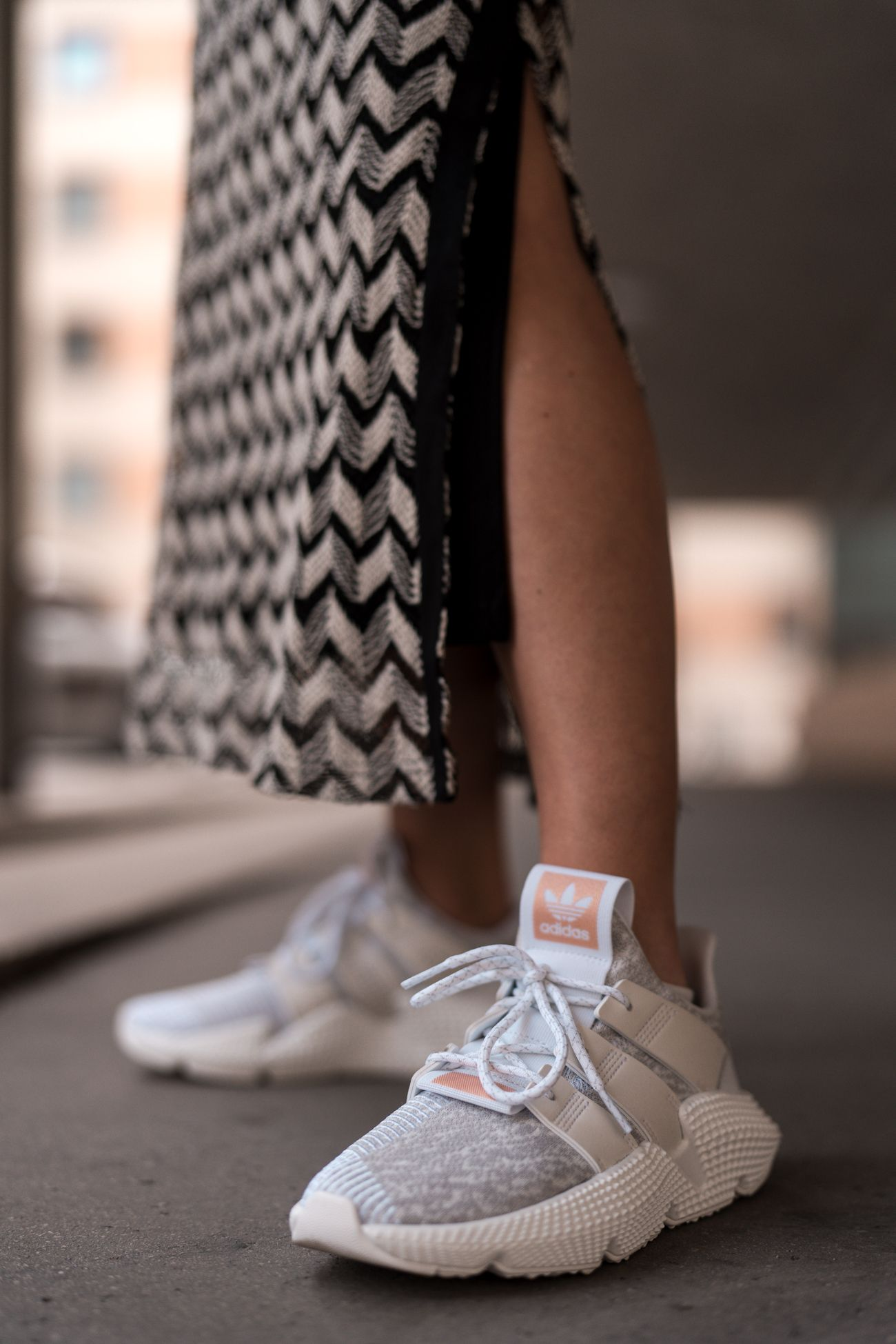 Ugly Sneaker Trend Adidas Prophere Dad Sneaker Zara knit dress Strickkleid  Belt Bag Modeblog Heidelberg Deutschland fashion blog Germany Sariety.com  Sarah ... e0f2b2f62