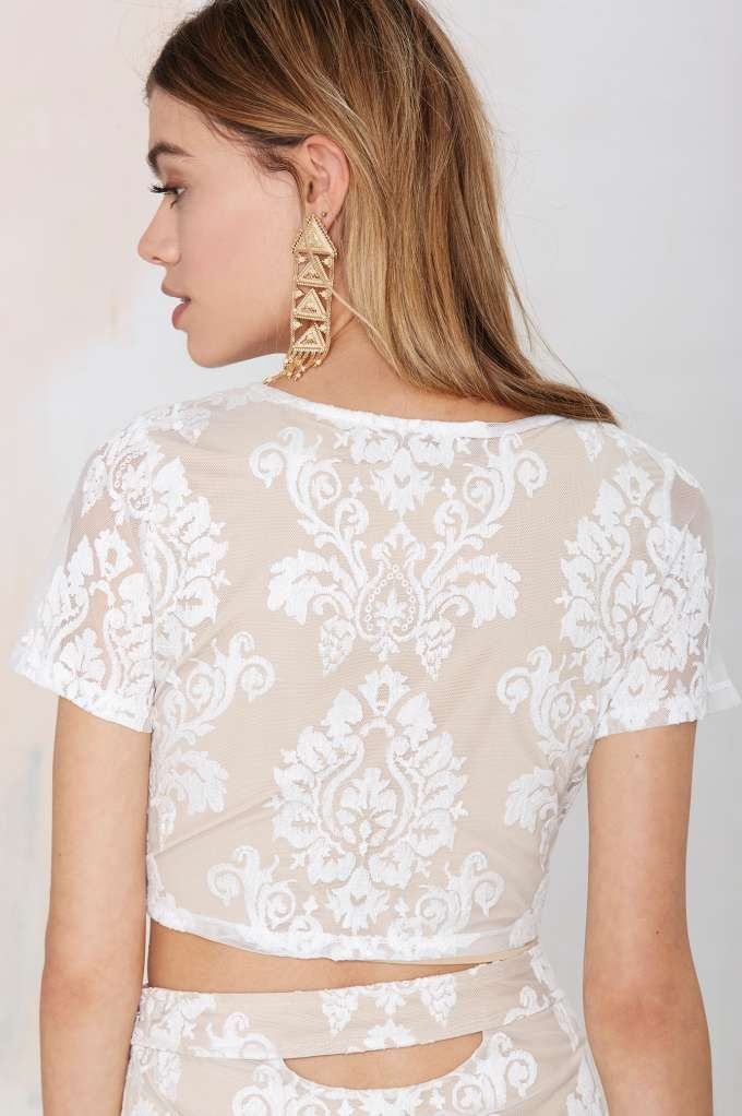 60759cab69a11b Mariana Embroidered Crop Top