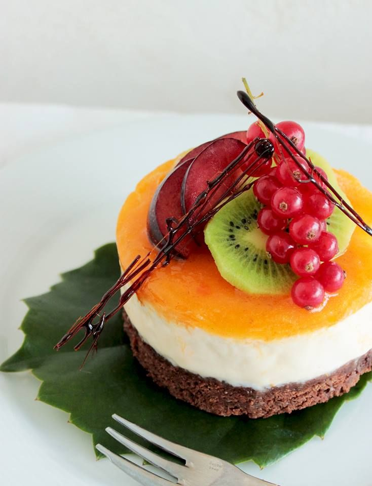 All you need to celebrate a birthday is of course a cake, you can either keep it traditional or do like I did for mine, and give it a try with this fantastic Mango Cheesecake with Brownie crust! Besides of knowing what's inside, making a homemade birthday cake will raise pretty fast your self-esteem and keep …