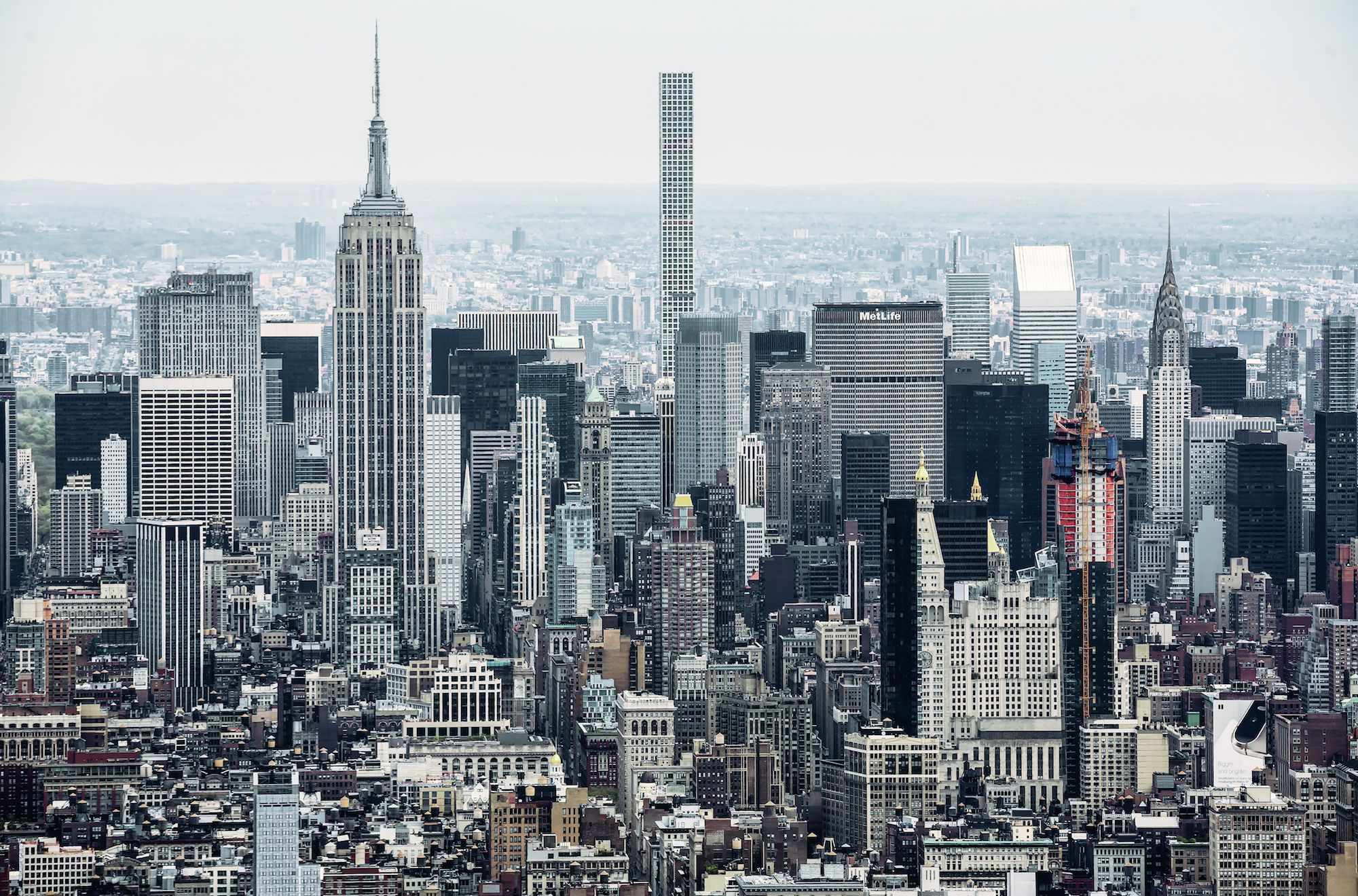 In 2017 The Average Manhattan Apartment Cost A Staggering 2 Million Curbed Nyclockmenumore Arrow That S Up From 1 9