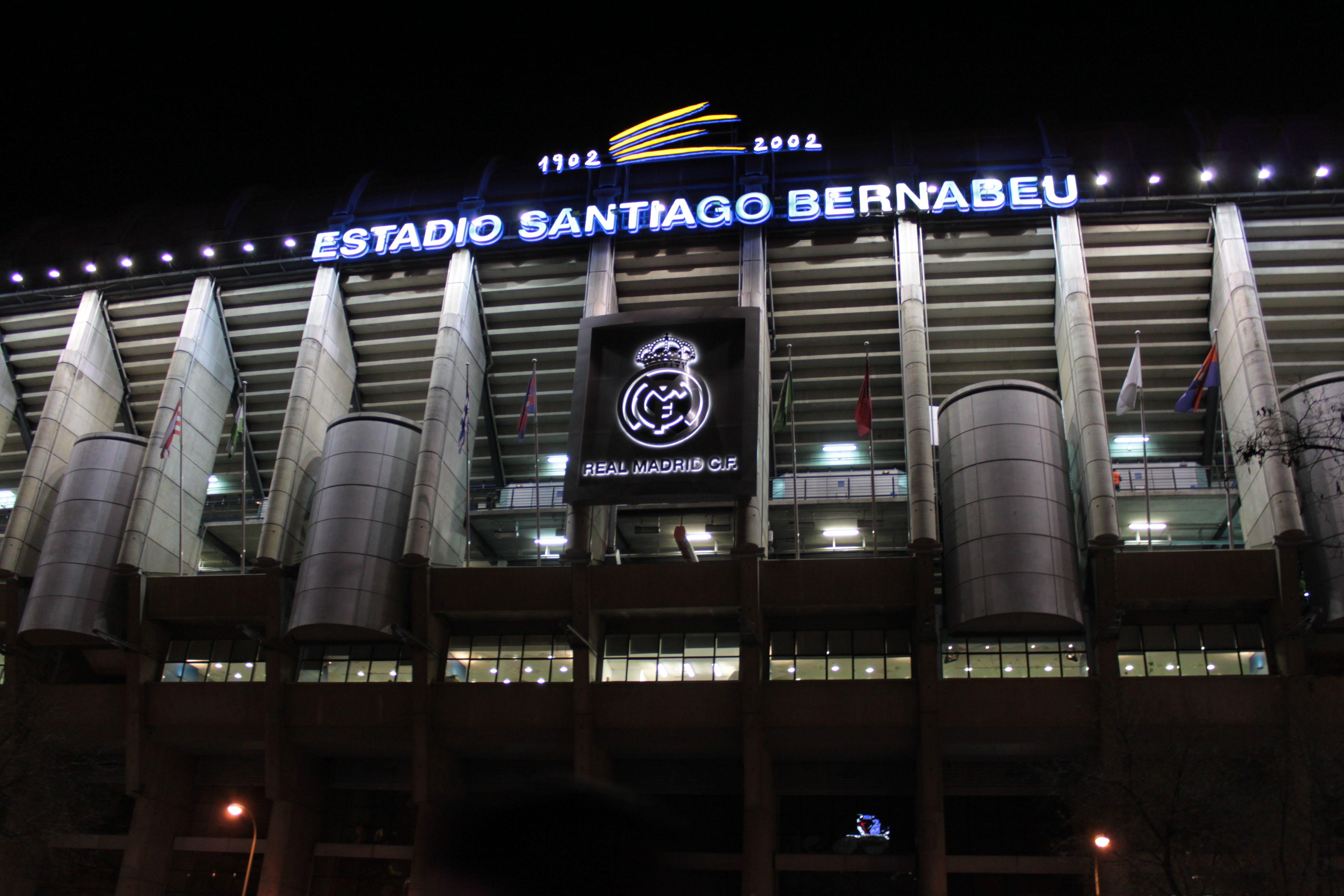 Estadio Santiago Bernabéu Real Madrid Broadway Shows Madrid Broadway Show Signs