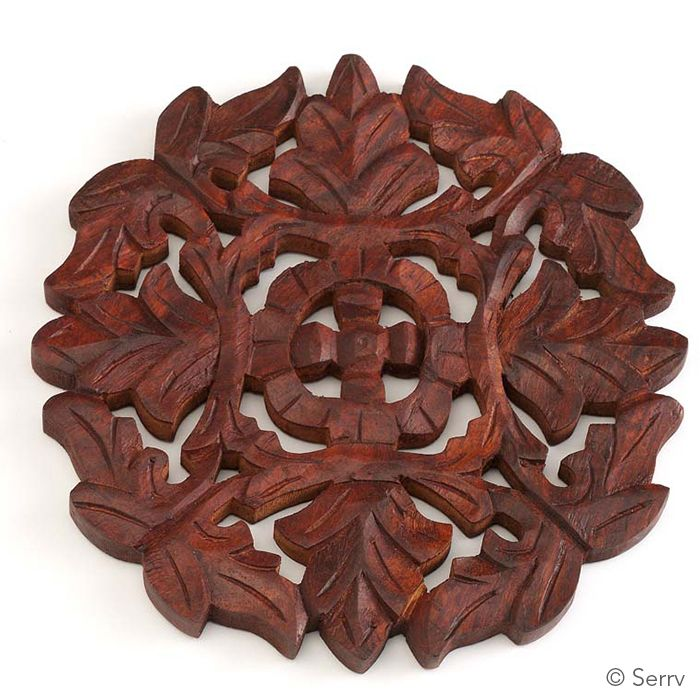 Jali Leaf Trivet Made Of Shesham Wood In Saharanpur A City In Northern India That Is A Traditional Center Of Wood Carving May Doubl Wood Carving Home Decor
