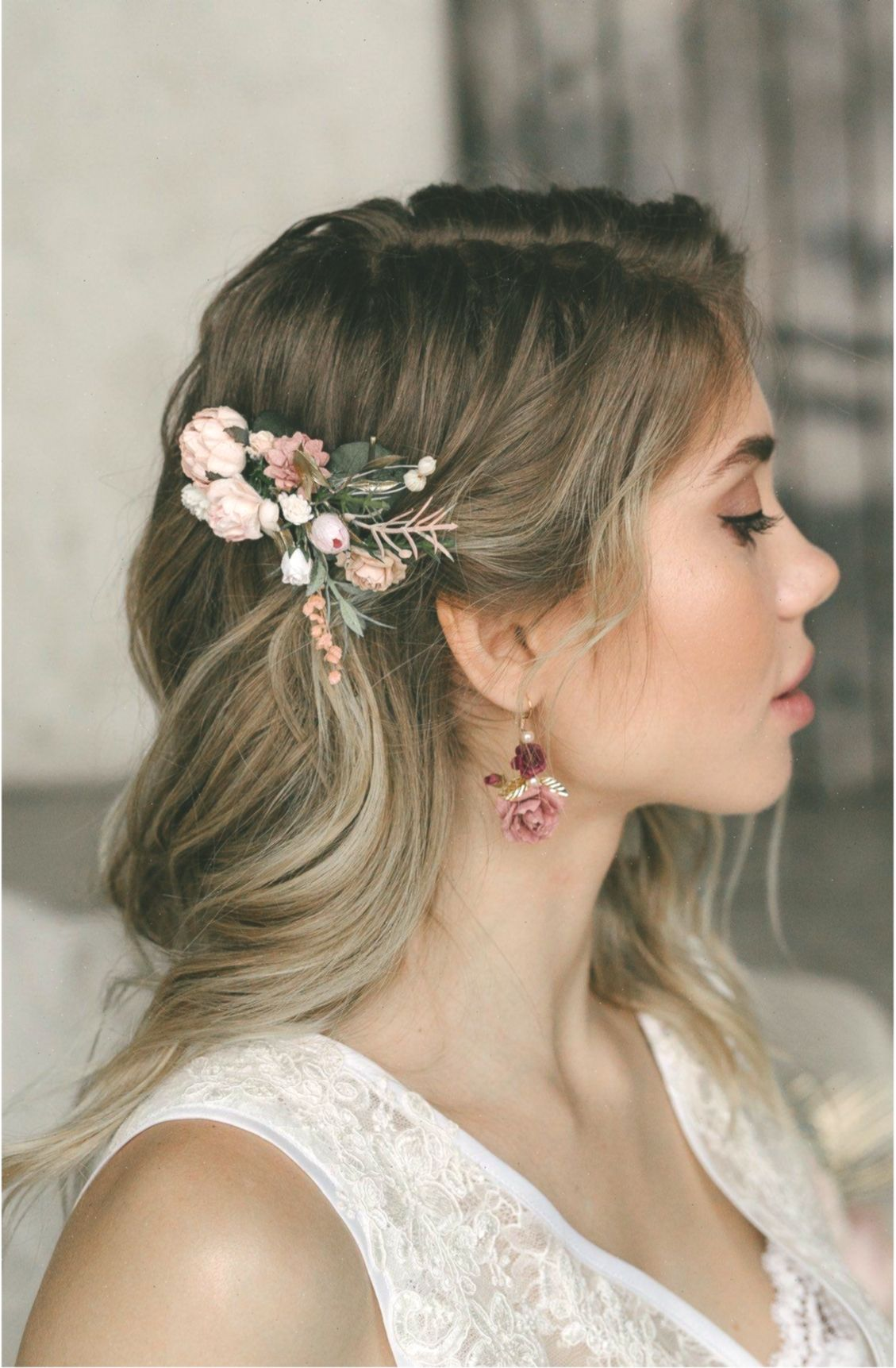 Blume Haarkamm Hochzeit Blume Haarkamm Blume Haarspange Blume Haarteil Braut Haarteil Hochzeit In 2020 Flower Hair Pieces Gold Bridal Hair Comb Bridal Hair Pieces