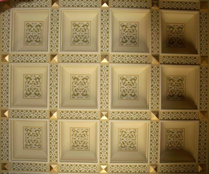 Decorazione di un soffitto a cassettoni: ingresso corridoio & scale