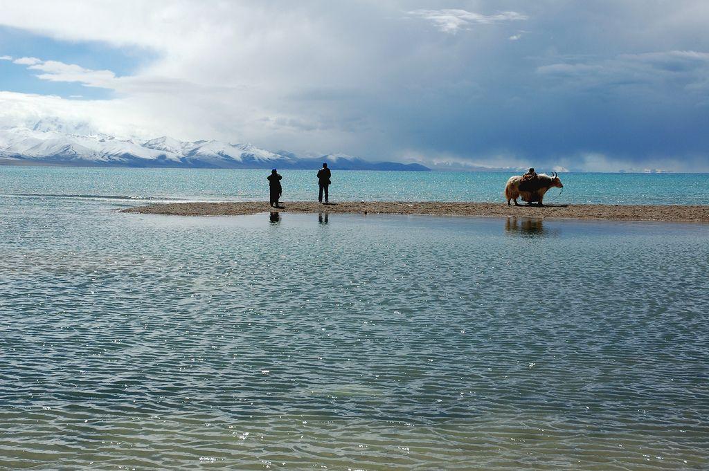 Lake Namtso, Tibet | by iancowe