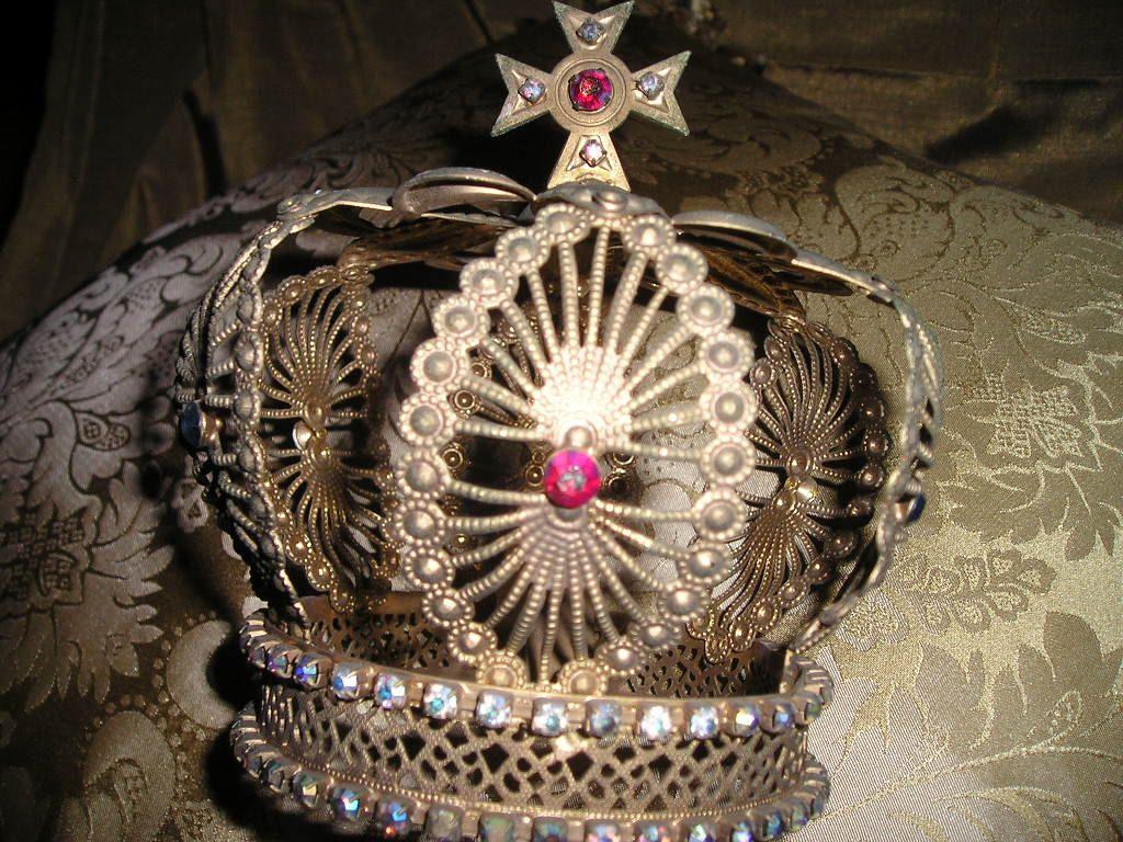 Pin on Crowning Glory ♛
