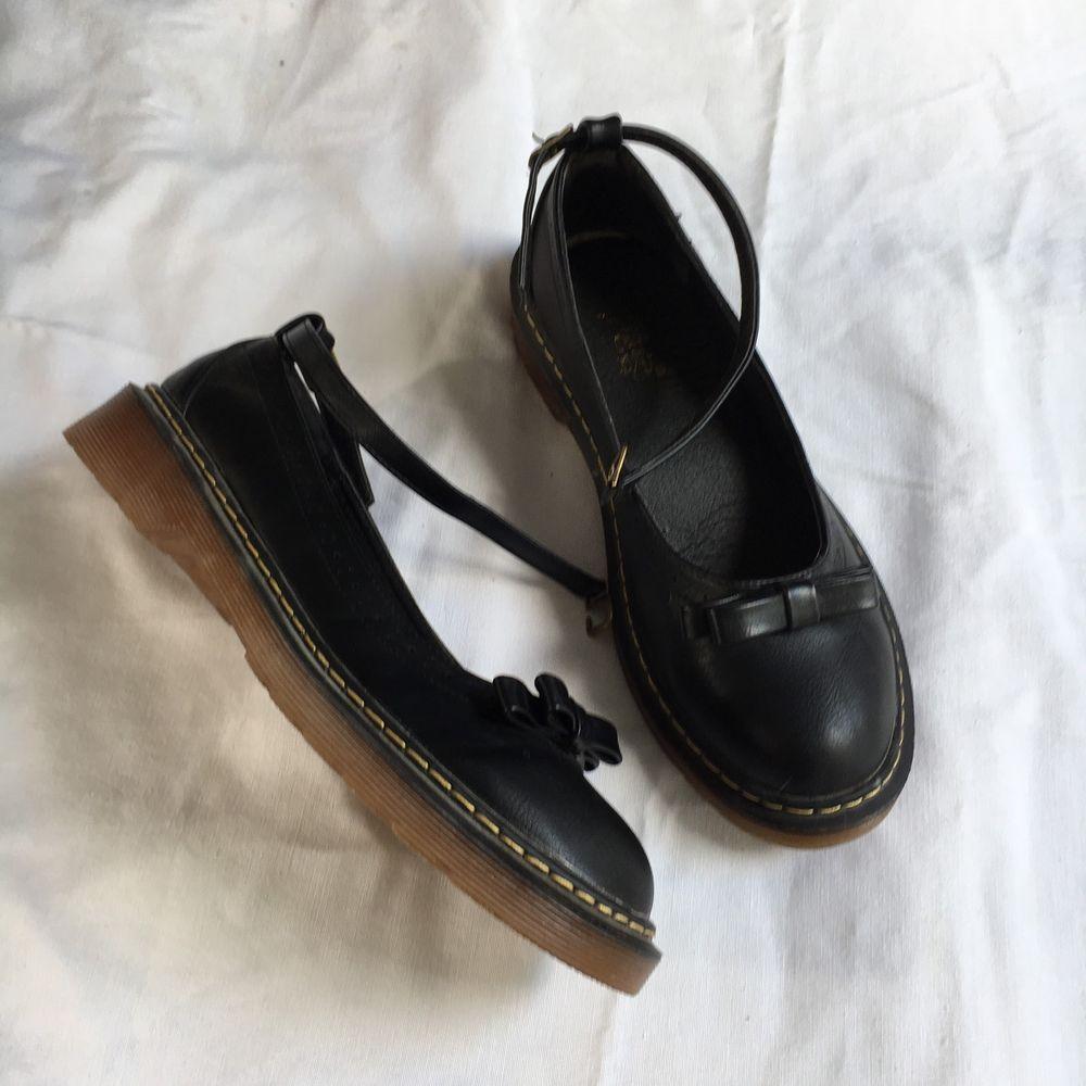 Dr. Martens Damen Herren Gr. 41 Lack Leder schwarz Stiefel