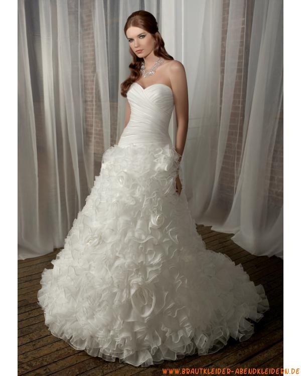 Luxuriöse maßgeschneiderte Brautmode aus Organza mit Handgemachte ...