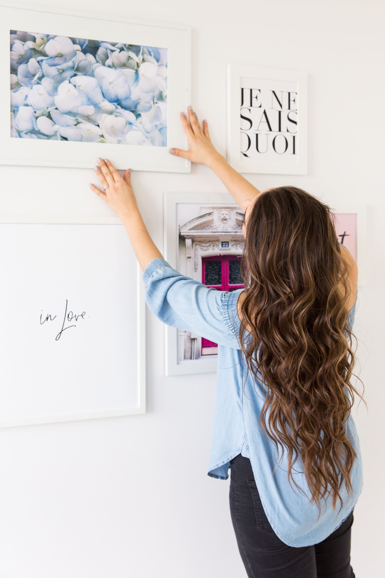 GALLERY WALL TIPS + FREE PRINT DOWNLOAD WITH COMMAND BRAND