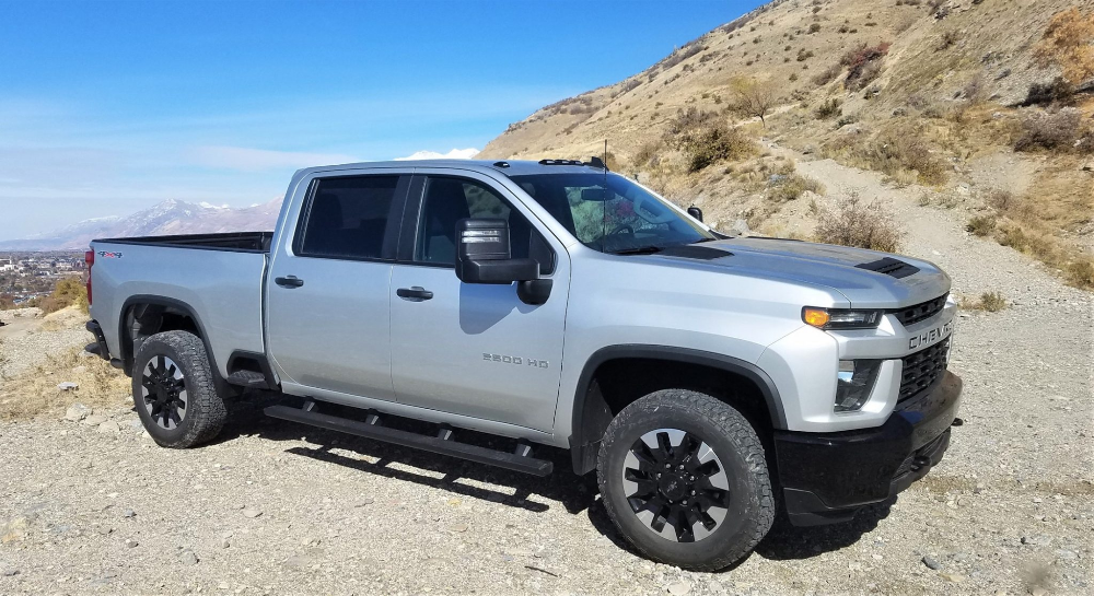 2020 Chevrolet Silverado Hd 2500 6 6l Gas V8 Off Road Review Video By Matt Barnes Car Shopping Car Revs Da Chevrolet Silverado Silverado Hd Chevrolet