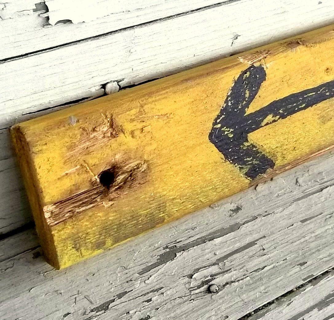 Wood Arrow Sign Reclaimed Farmhouse Sign Wall Decor, Rustic ...