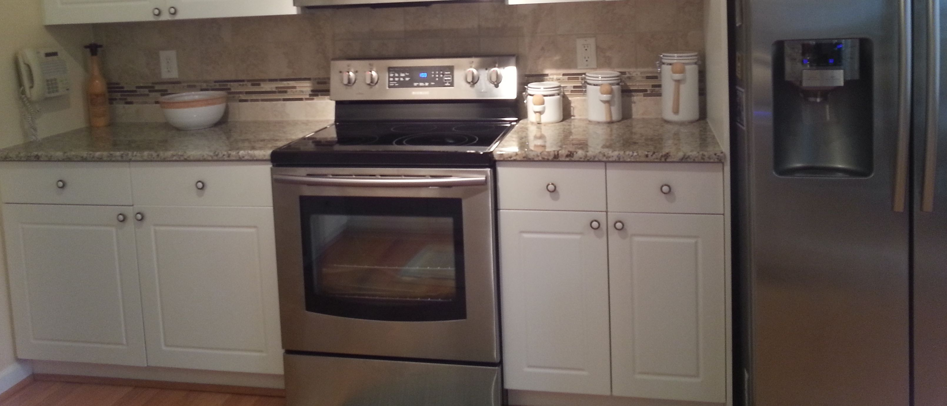 Backsplash. Santa Cecilia Granite, Desert Gold Mosaic and Roman Noce ...