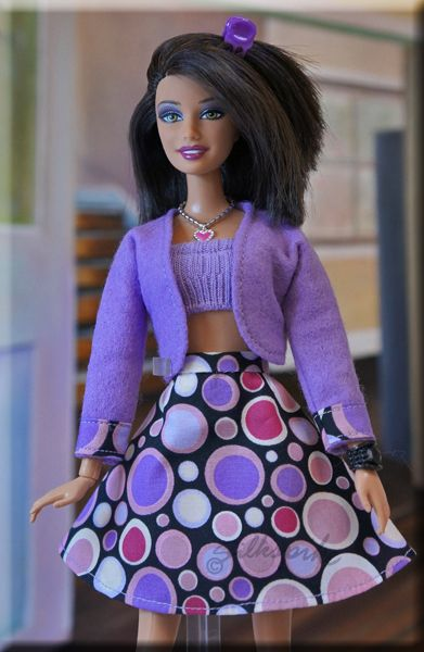 Cute outfit using a barbie pattern I already have in my collection ...