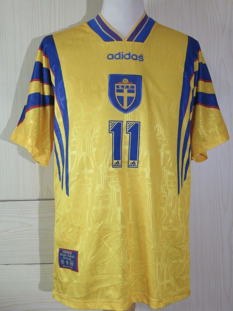 1a377995ea7 Larrson Henrik Sweden 1996 1997 World Cup Pre Home Player Jersey Shirt  Adidas L