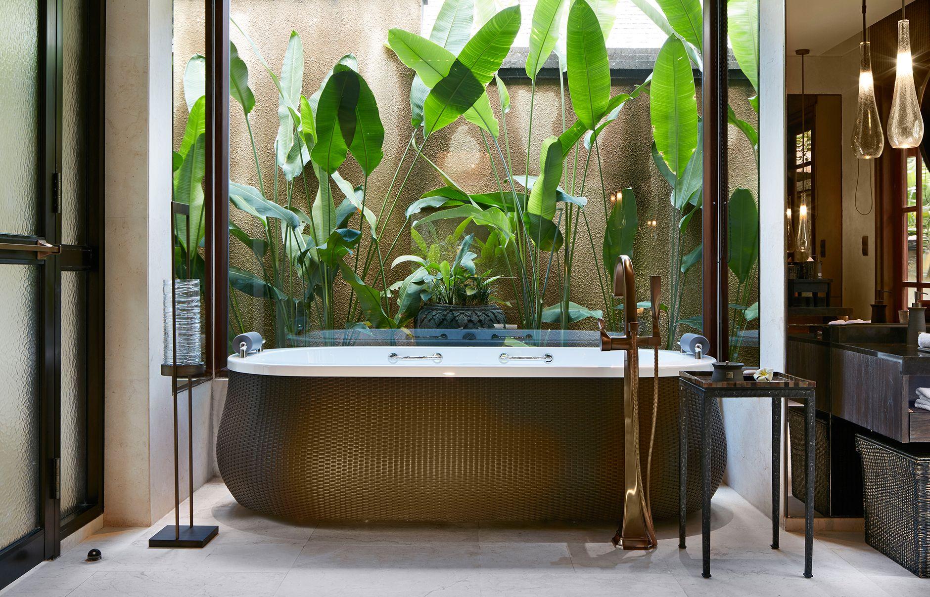 One Bedroom Pool VillaBathroom Mandapa a RitzCarlton Reserve