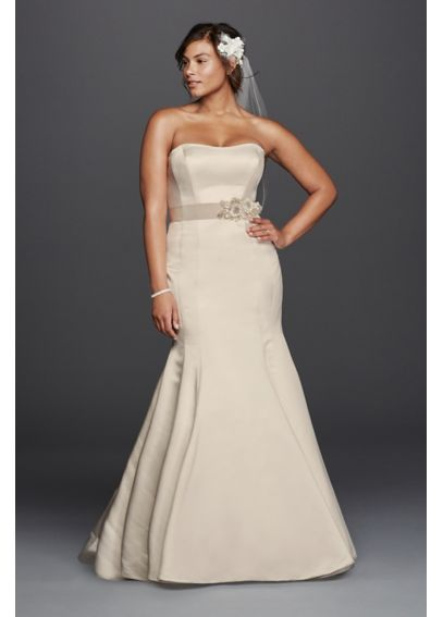 9fb6c2a0f66 Plus Size Trumpet Wedding Dress with Visible Seams 9KP3738