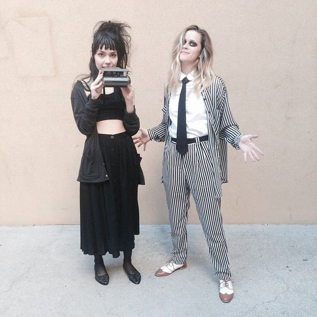pin for later 117 ingenious diy costumes from your favorite tv shows and movies lydia deetz and beetlejuice