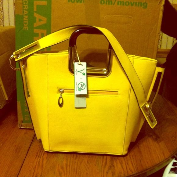 New Alyssa Vegan Handbag Nice Yellow Color With Pockets And Zippers Brand 100 Beautiful Handles A Strap Bags