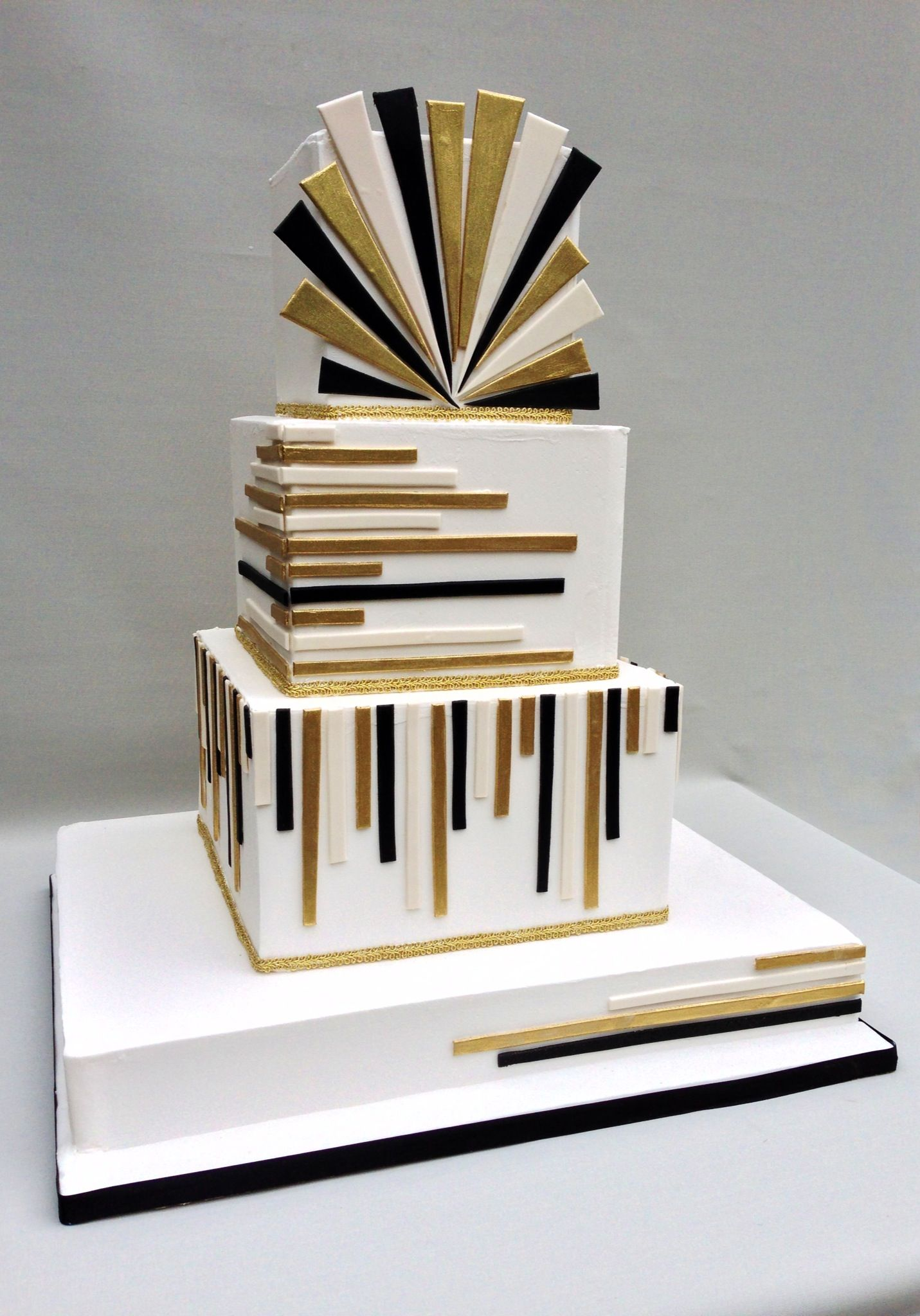 The Great Gatsby Cake with an Art Deco design. Cakes ...