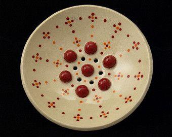 """Runde Keramik Seifenschale """"Punkte"""" rot"""