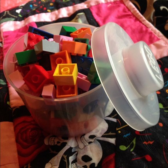 Cute Little Lego Container + Legos!❤️ Lego container with random legos! there's random pieces & quite a few eyeball legos. Cute & practical. Feel free to ask any questions.                                              ❌Trades.                                                                 Send offers.                                                         Bundle with me & save even more! 20% off your bundle of 3+ items! Lego Other