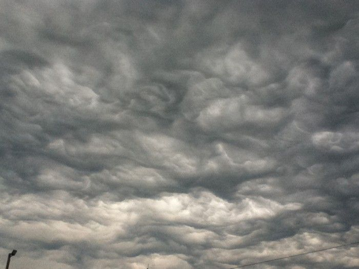 """""""An asperatus formation over Bristol, Tennessee, US.""""  © Eric Crouch"""