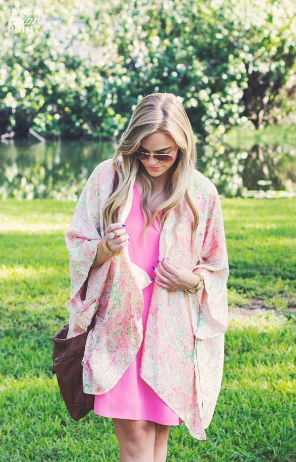 Floral Kimono + Giveaway On Living In Color Print #livingincolorprint  #huknewstyle