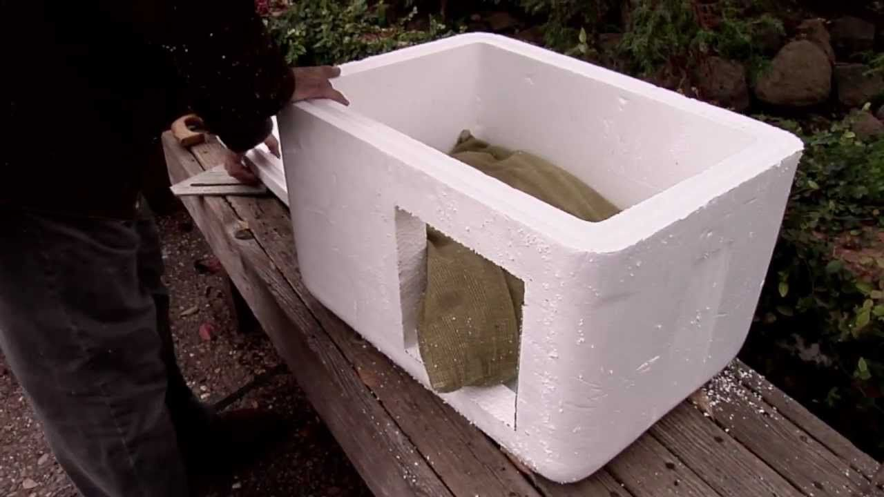How To Make An Insulated Cat Bed House Outdoor Or Indoors Cat House Diy Outdoor Cat House Cat House