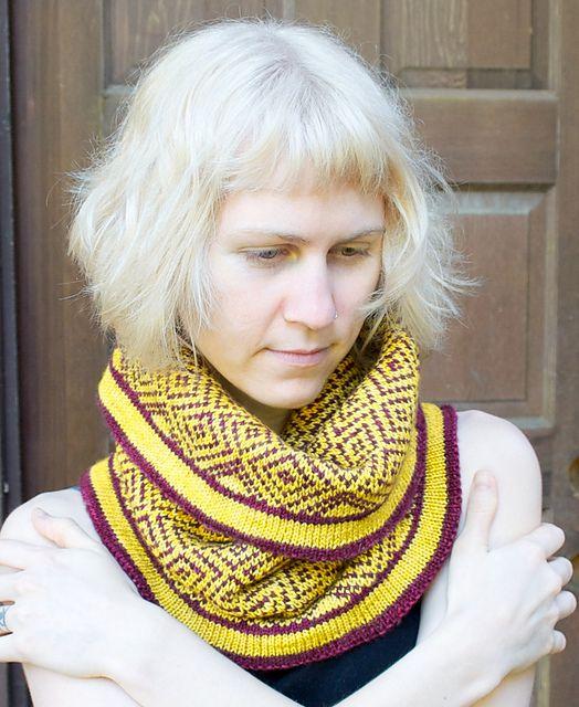 Ravelry: Nerine pattern by Andrea Rangel
