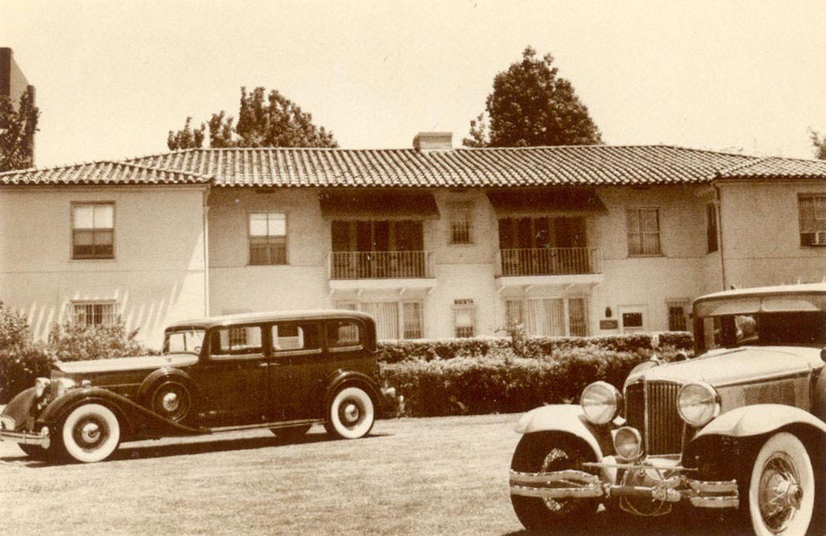 Ambassador Hotel Los Angeles Bungalow