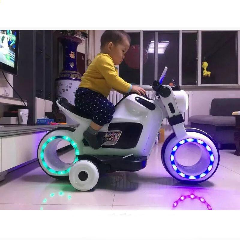 Çocuk elektrikli çift sürücü motosiklet büyük üç tekerlekli bisiklet Oğlan  kız 3-6 bebek çocuk oyuncak şarj şişe bebek arabası oturabilir 6b7d044928