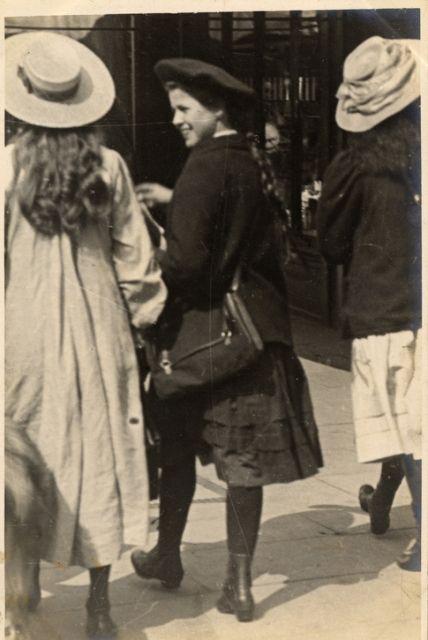 Linley Sambourne Edward Notting Hill North Kensington London 10 July 1907 Edwardian Fashion Vintage London Vintage Photos