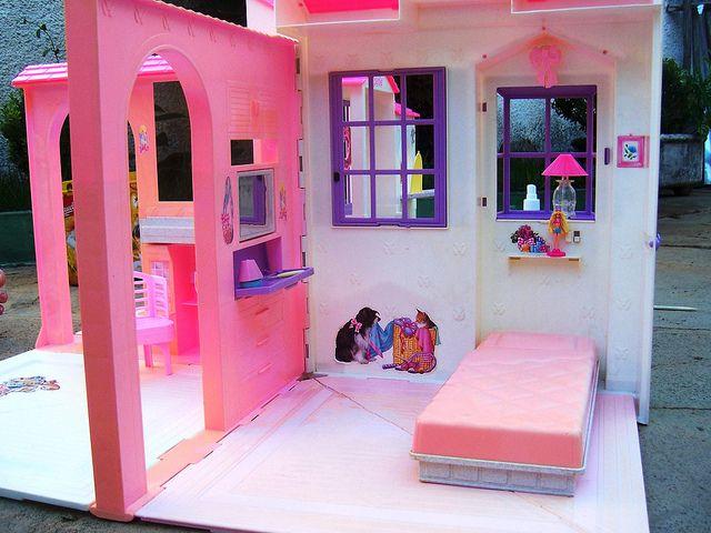 Barbie Folding Pretty House Barbie house, Childhood