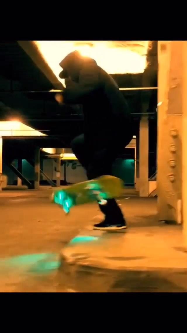 Tech Na Ty Halloween Session In 2020 Cool Skateboards Skateboarding Tricks Skateboard Deck Art