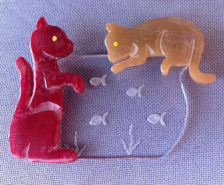 Vintage Bakelite Two Cats Kitties Fishing In Bowl 3D Effect Brooch Pin