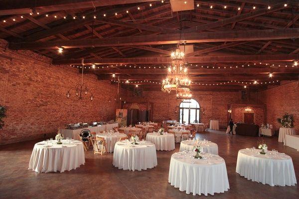 Barn Weddings - Rustic Country Barn Wedding Ideas, Decorations ...