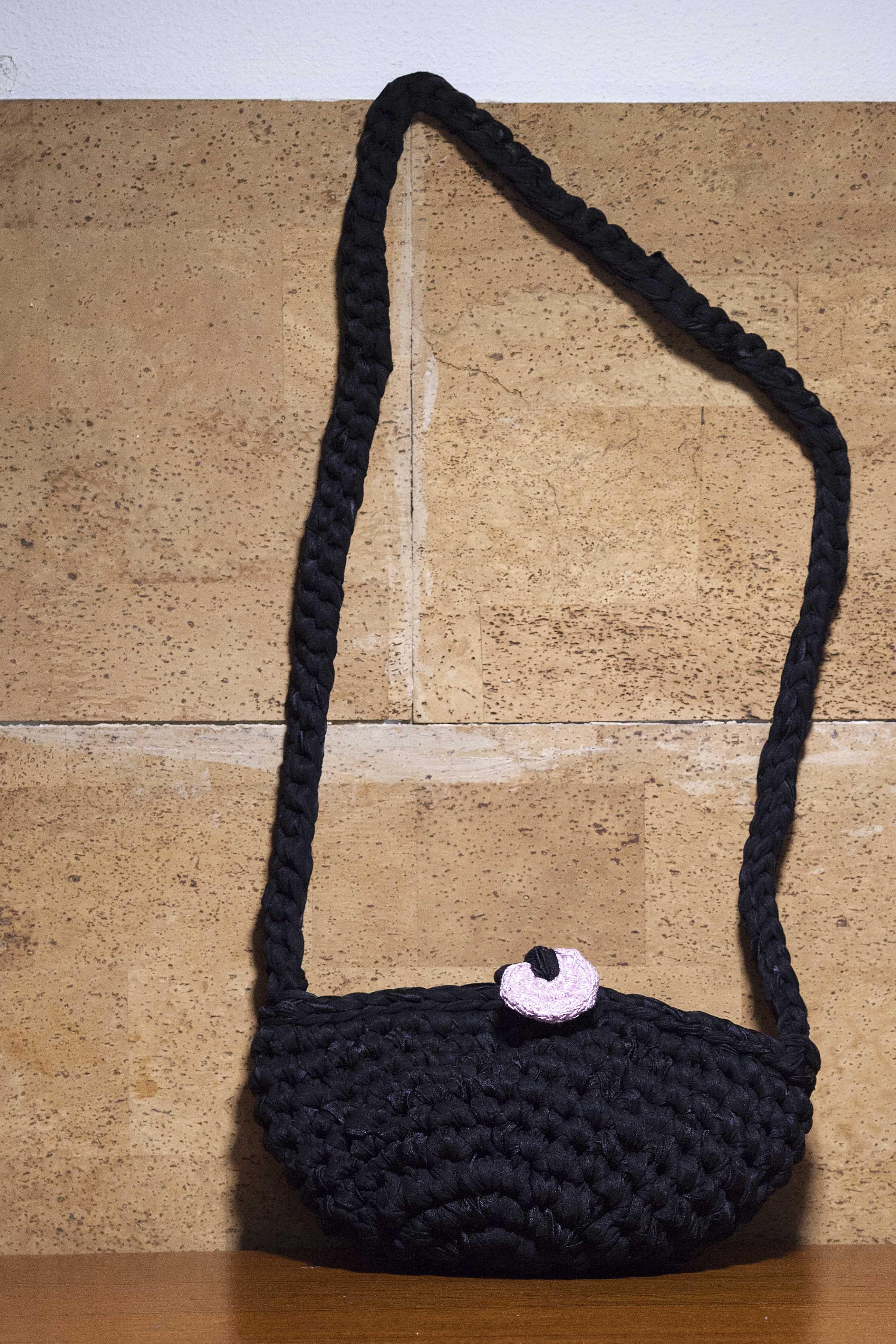 Borse Alluncinetto Con Cotone : Borsetta a tracolla realizzata all uncinetto con fettuccia