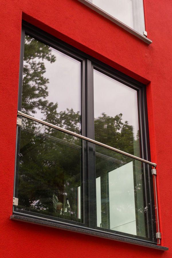 FensterBrüstung mit klarem Glas Fensterbrüstung