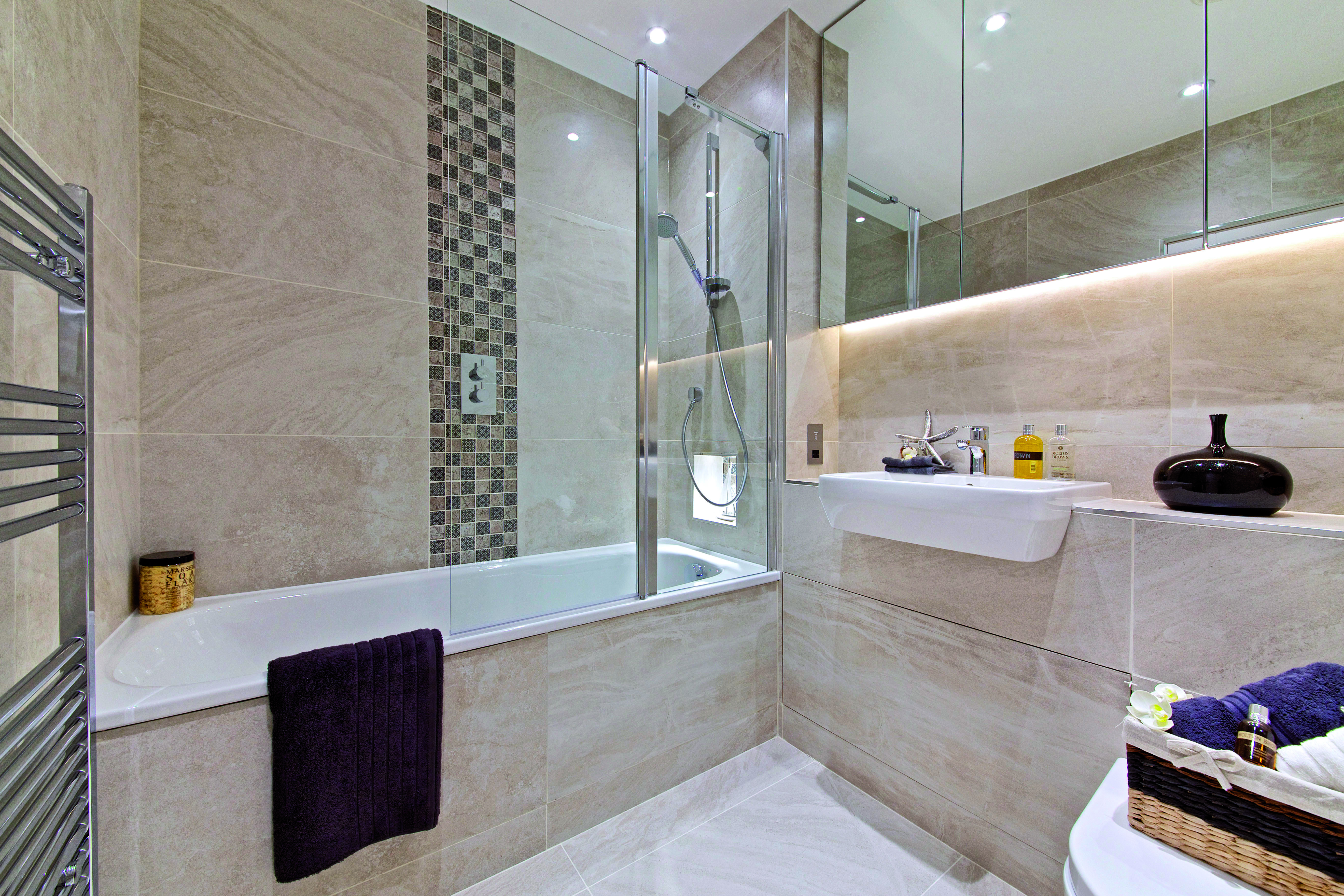 Family Bathroom with porcelain tiles, vertical mosaic strip, bespoke ...