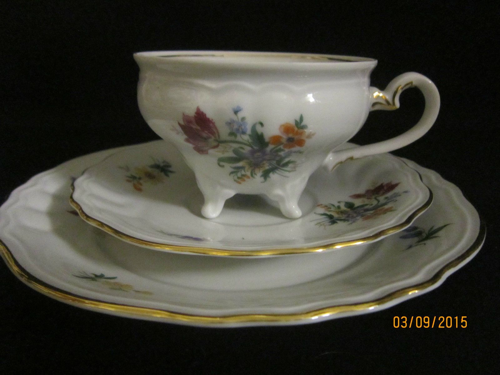 sammeltasse 3tlg weimarer porzellan tasse auf 4 f en sammelgedecke teacup trios. Black Bedroom Furniture Sets. Home Design Ideas