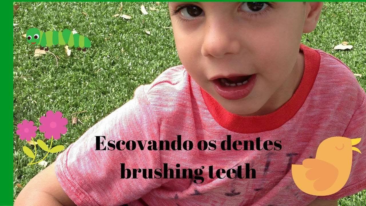 Como escovar os dentes de criança