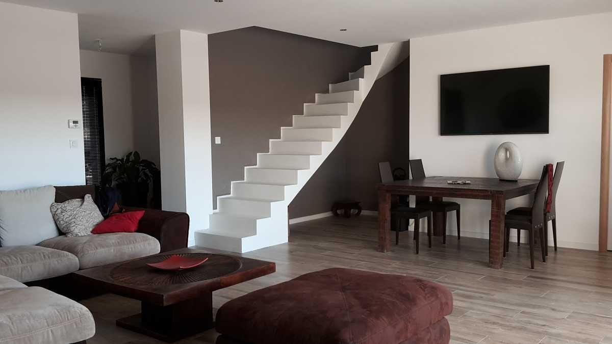 Escalier béton design aérien, sur mesure. Finition béton minéral ...