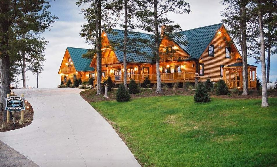 Pine Lakes Lodge Stay the night, Lodges, Cabin