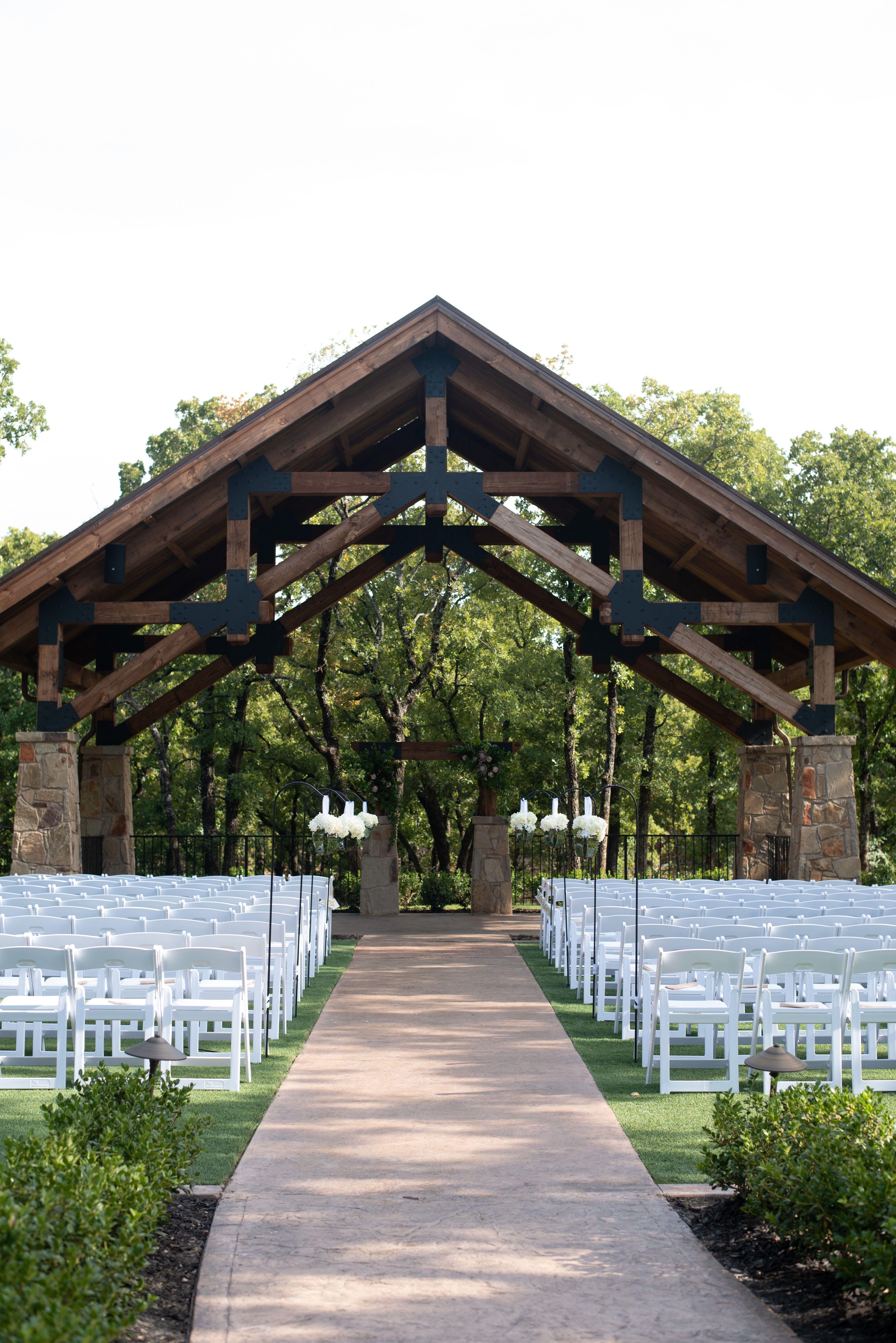 Lodge Wedding Venue in Denton Texas Dfw wedding venues