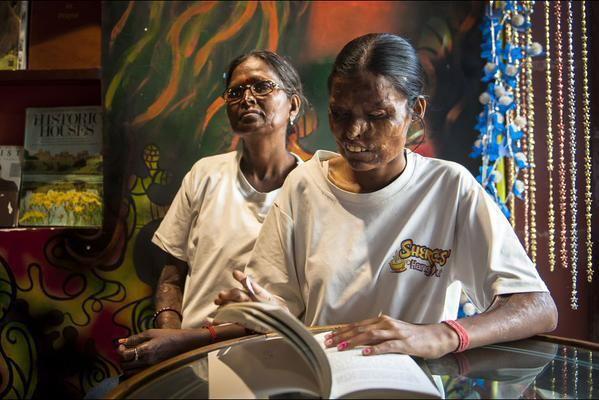 Inde : attaquées à l'acide, elles tiennent un café http://limportant.fr/infos-monde/3/242803…
