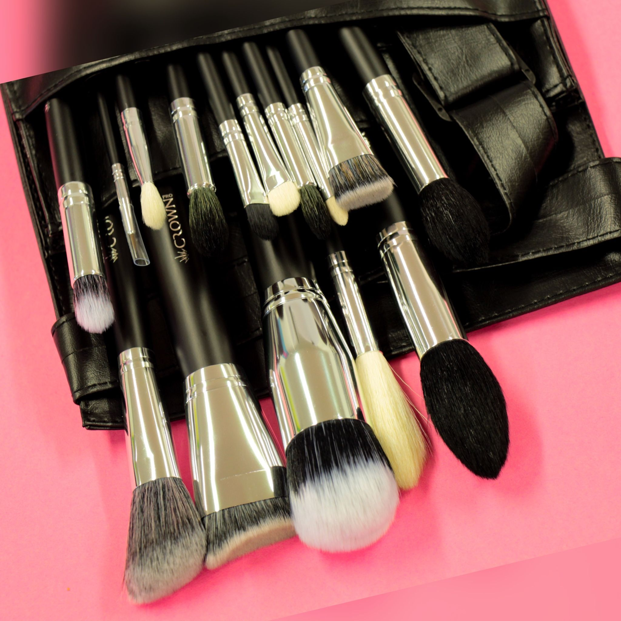 901 15 pc Crown Pro Brush Set Makeup brush set, Crown