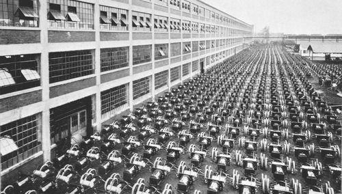 Highland Park Ford Plant, 1908 - 1910   Highland park, Motor city ...