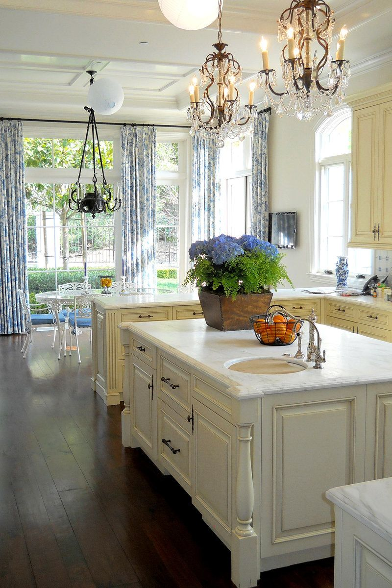 Vicki Gunvalson in Real Housewives of Orange County   Housewives of the OC    Pinterest   Vicki gunvalson  Housewife and Real housewivesVicki Gunvalson in Real Housewives of Orange County   Housewives  . Men S Bath House Orange County. Home Design Ideas