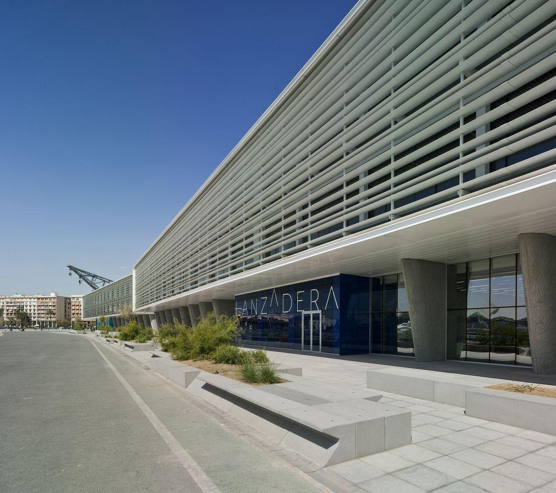 Gallery of marina de empresas erre arquitectura 3 for Empresas de arquitectura