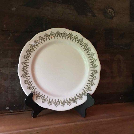 Scalloped Dinner Plate Art Nouveau Buffalo China by putnamandspeedwell & Scalloped Dinner Plate Art Nouveau Buffalo China by ...